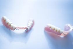 ייצור ושמירה נכונה על שיניים תותבות