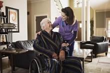 מימון כיסאות גלגלים לבני הגיל השלישי