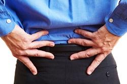 טיפולי פיזיותרפיה לכאבי גב בגיל השלישי