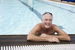 היתרונות בפעילויות שחייה בקרב בני הגיל השלישי