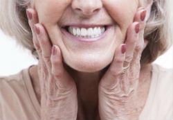 שמירה על בריאות השיניים בגיל הזהב